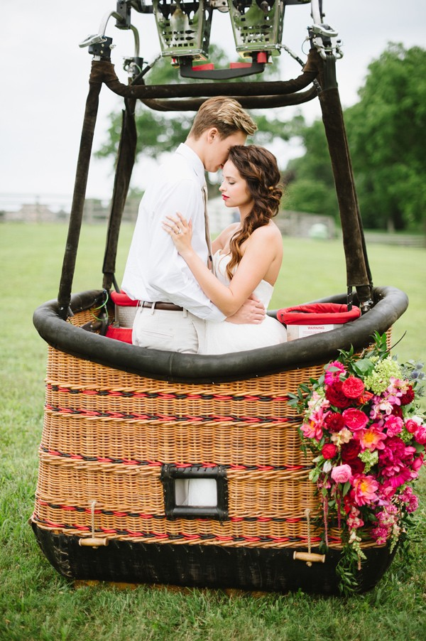 vintage-hot-air-balloon-wedding-94-600x902